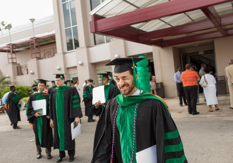 Cover for UF COM Commencement_JSJ_IMG_1345 Issue