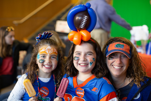 Gator pride was on full display during the UF College of Dentistry's annual alumni tailgate event.